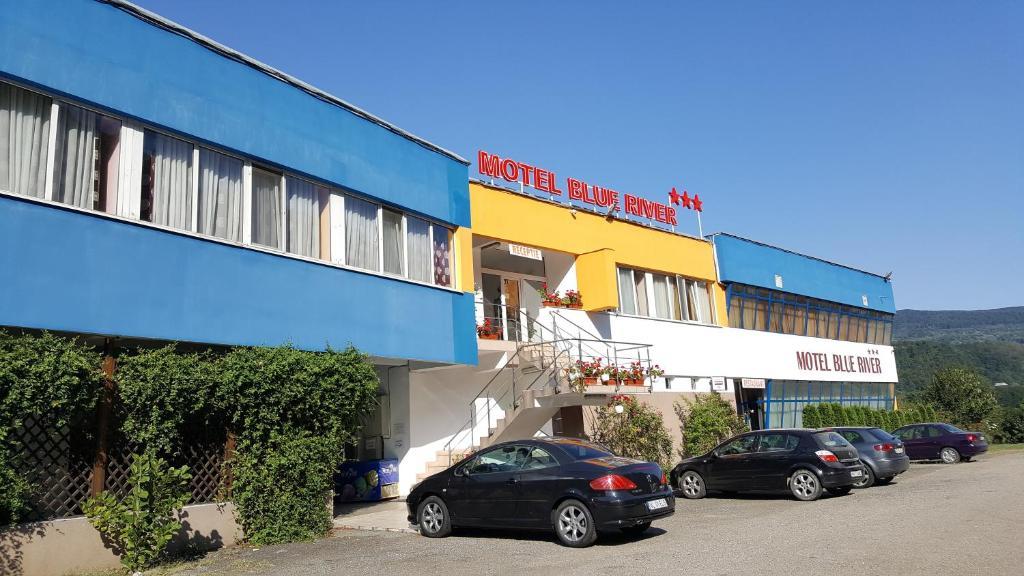 Clădirea în care este situat/ămotelul