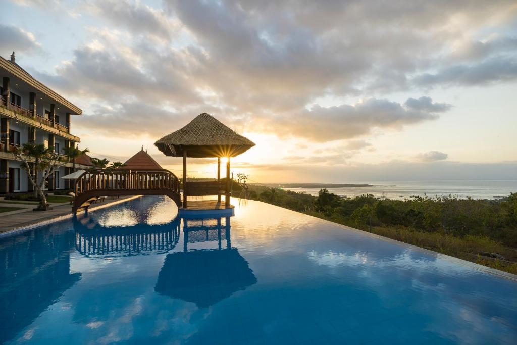 The swimming pool at or near Semabu Hills Hotel Nusa Penida