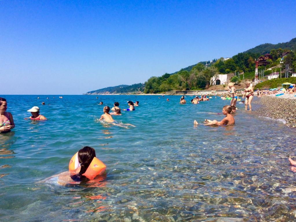Бассейн в Апартаменты Пляж на Крымской или поблизости