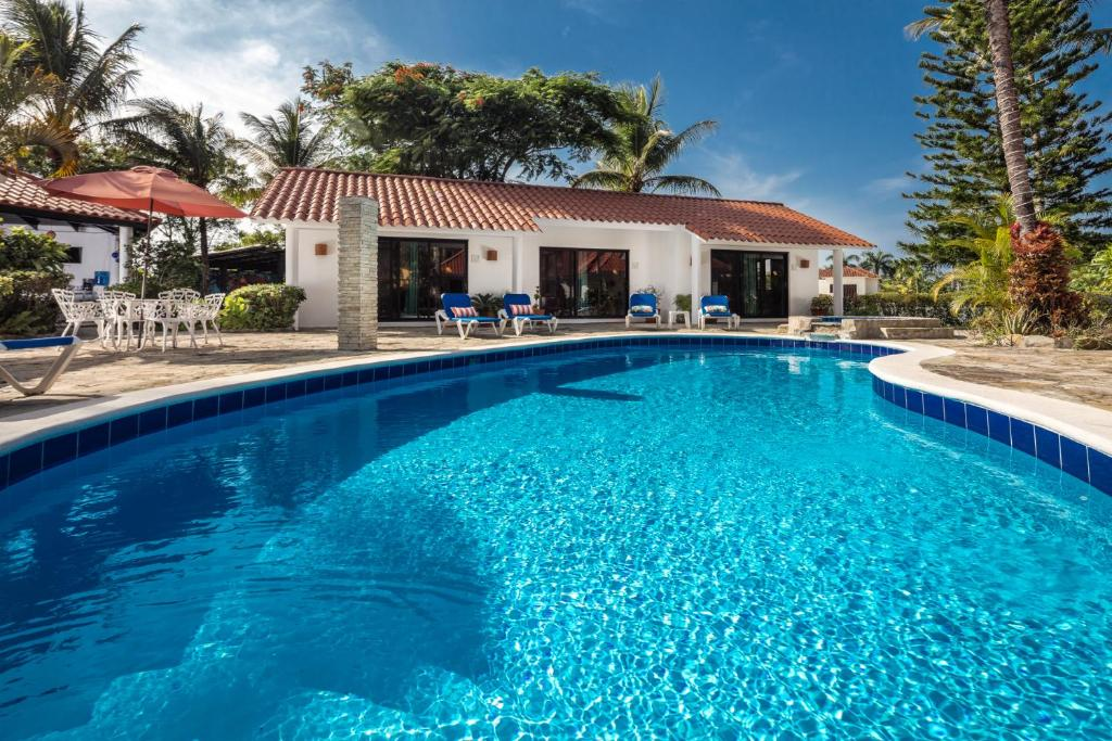 The swimming pool at or near Garden By The Sea