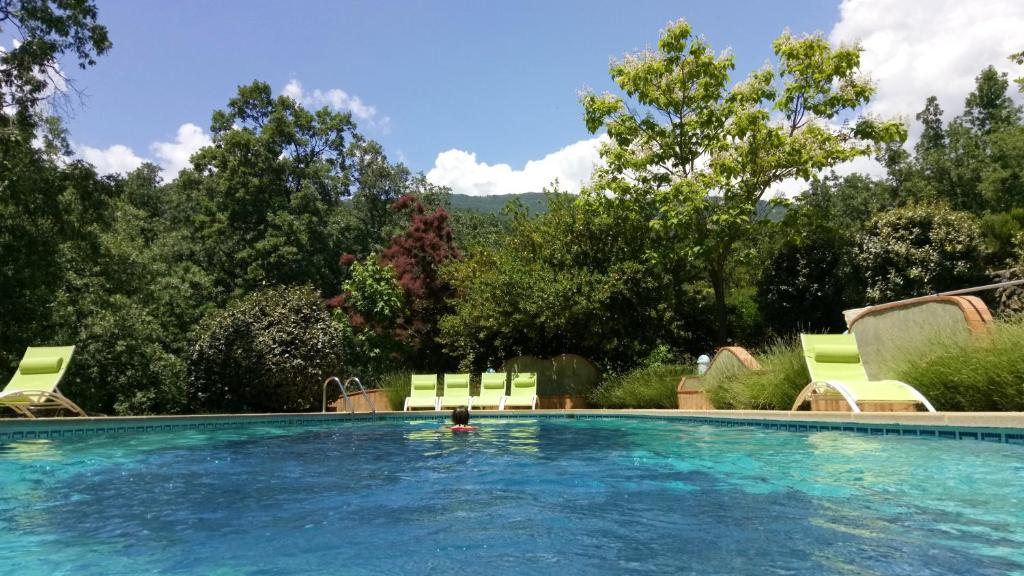 The swimming pool at or near Hotel Rural El Camino
