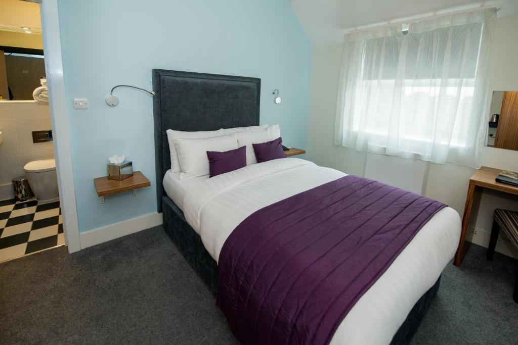 The Stanwell Heathrow Hotel - Laterooms