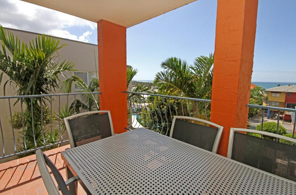 A balcony or terrace at Unit 4 'Cooltoro Court', Coolum Beach