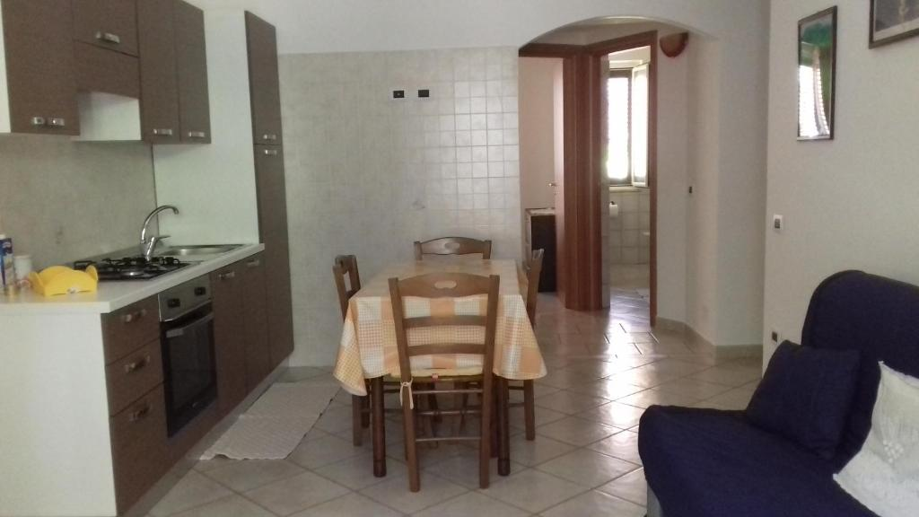 A kitchen or kitchenette at casa al mare