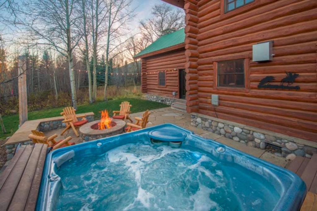 Spa and/or other wellness facilities at Macker's Cabin