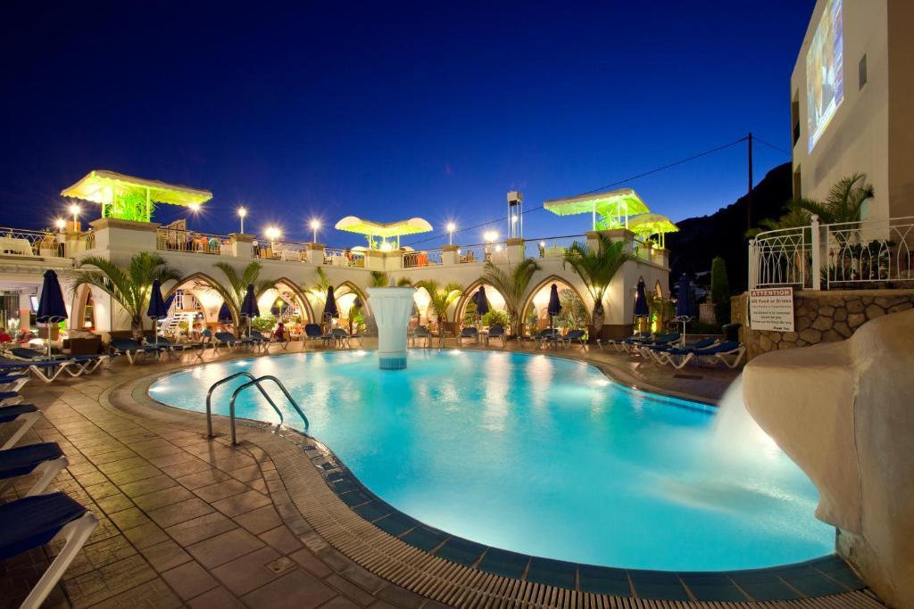 Majoituspaikassa Pefkos Beach Studios & Apartments tai sen lähellä sijaitseva uima-allas