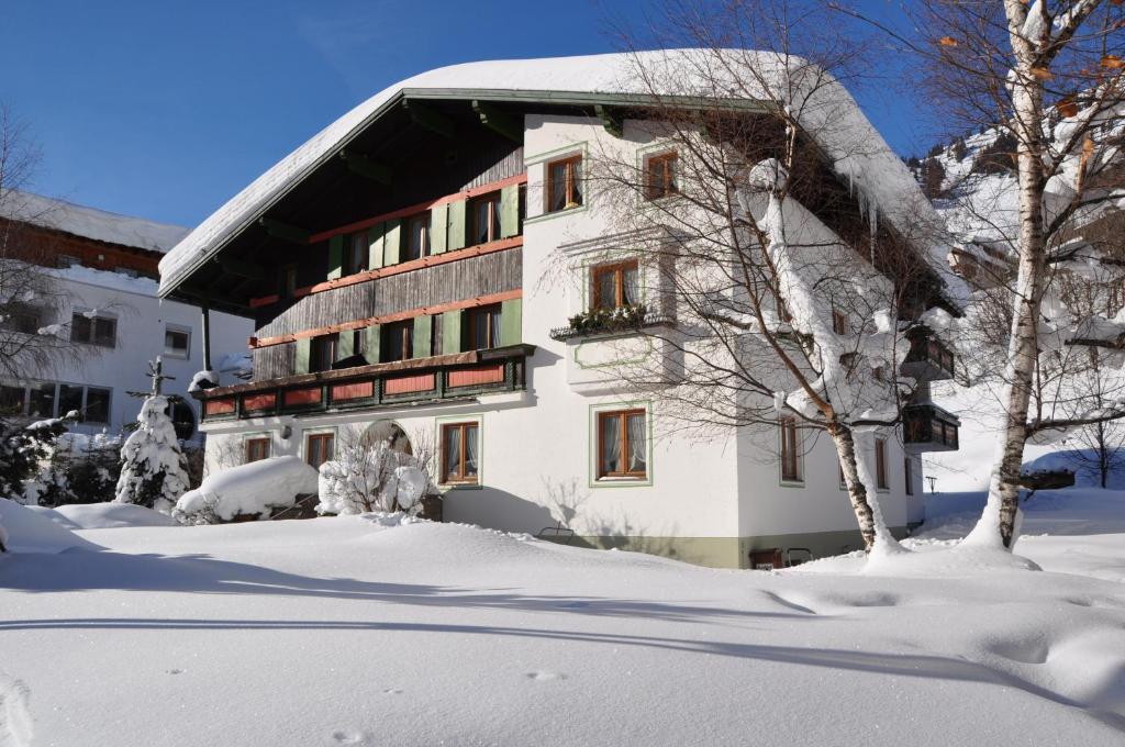 Haus Gamberg during the winter