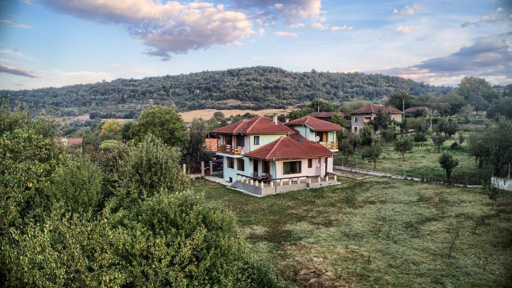 Гледка от птичи поглед на Къща за гости Вила Боженица