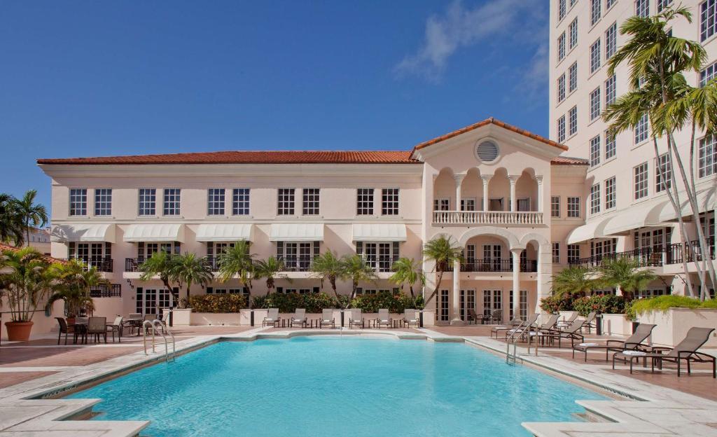 The swimming pool at or near Hyatt Regency Coral Gables in Miami