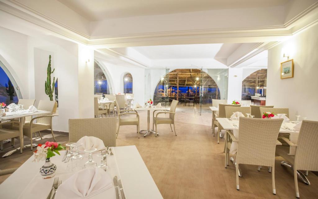 Een restaurant of ander eetgelegenheid bij Seabel Aladin Djerba