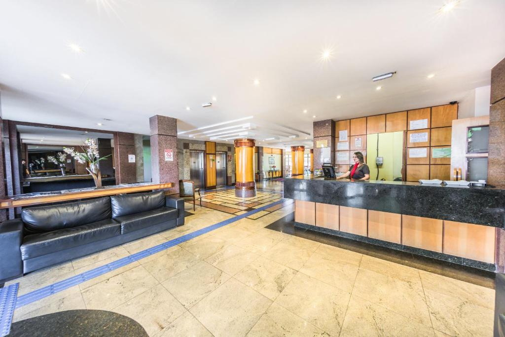The lobby or reception area at Monumental Bittar Hotel