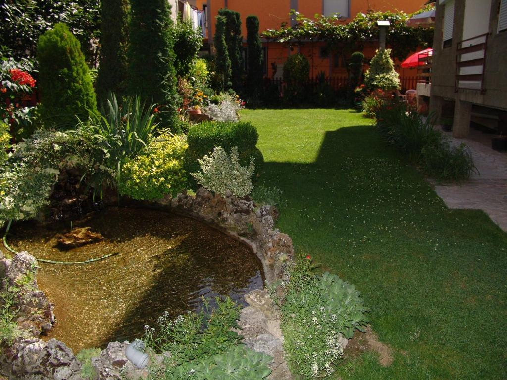 Сад в Apartments Marjan