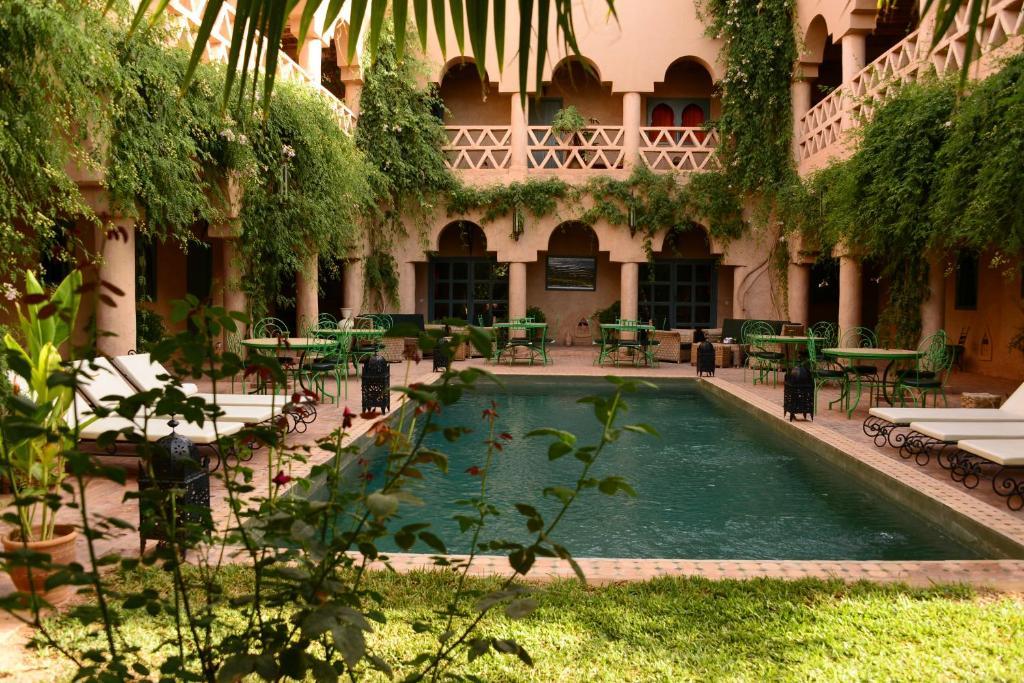 Piscine de l'établissement Riad Ain Khadra ou située à proximité