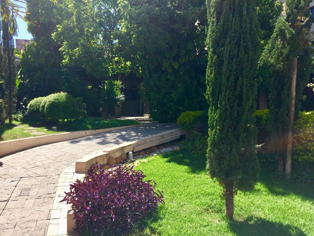 A garden outside Hotel Nações Plaza