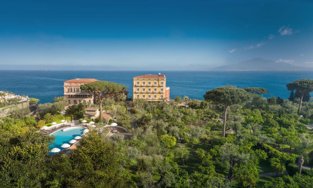 Vue panoramique sur l'établissement Grand Hotel Excelsior Vittoria