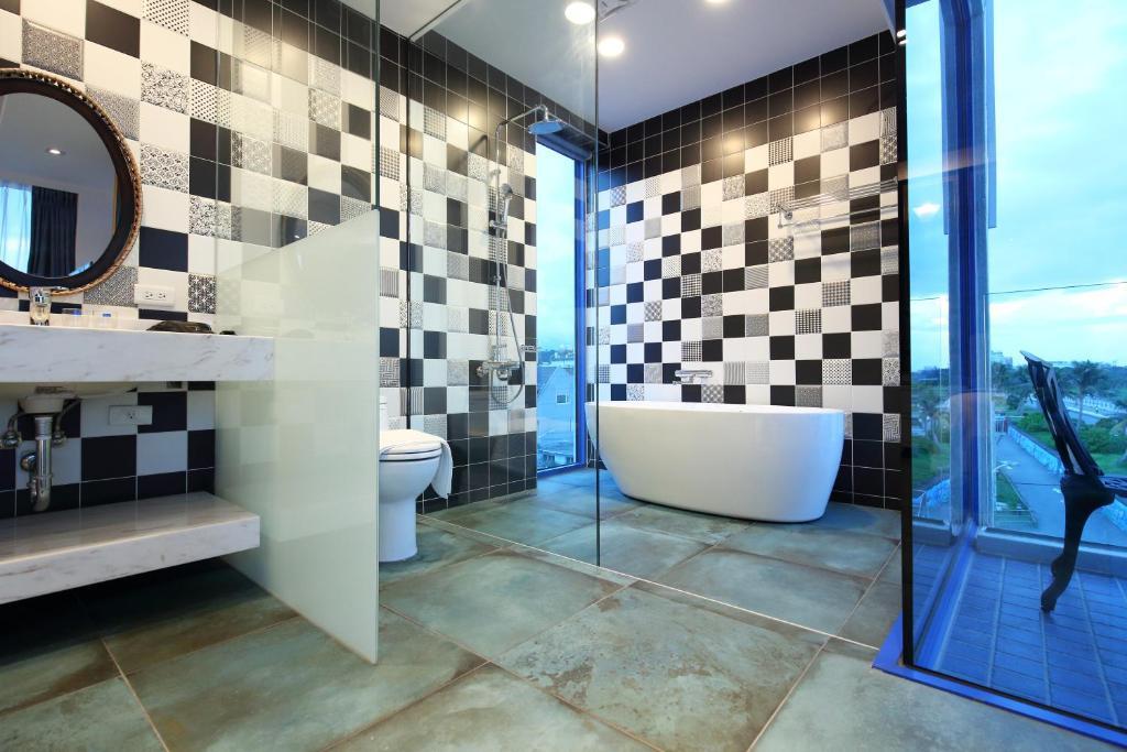 豪華海景雙人房-附陽台和浴缸的相片(第 1 張)
