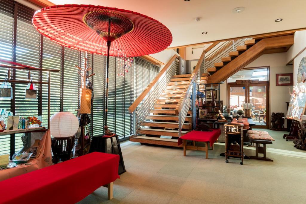 The lobby or reception area at Miyajima Guest House Mikuniya