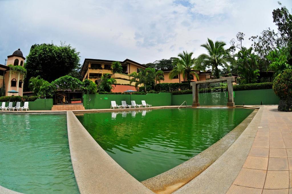 Бассейн в El Tucano Resort & Thermal Spa или поблизости