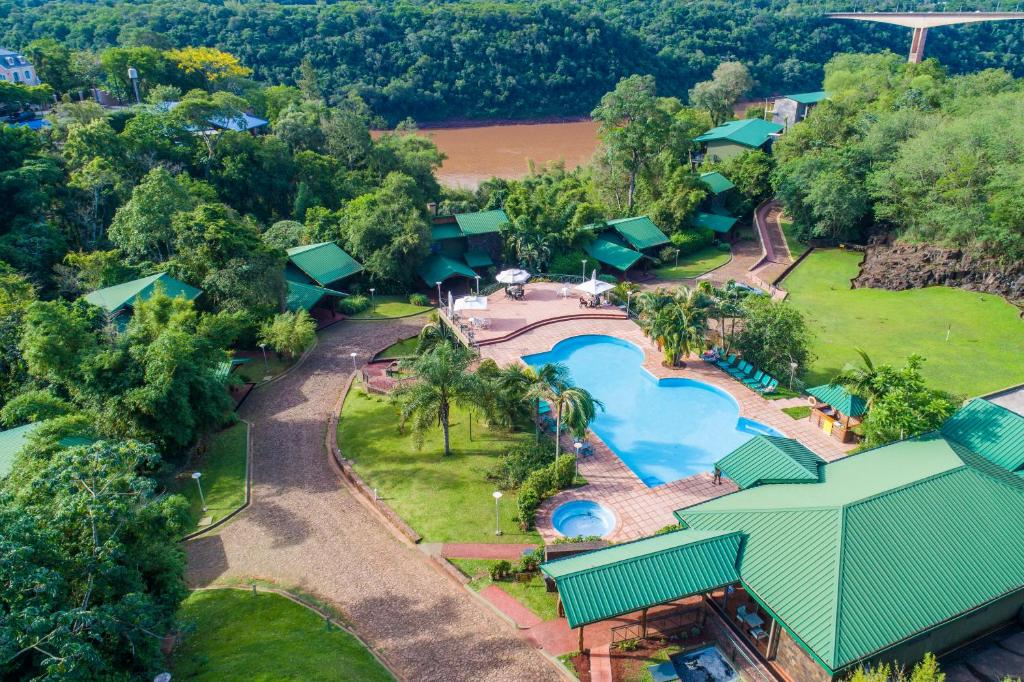 A view of the pool at Iguazu Jungle Lodge or nearby
