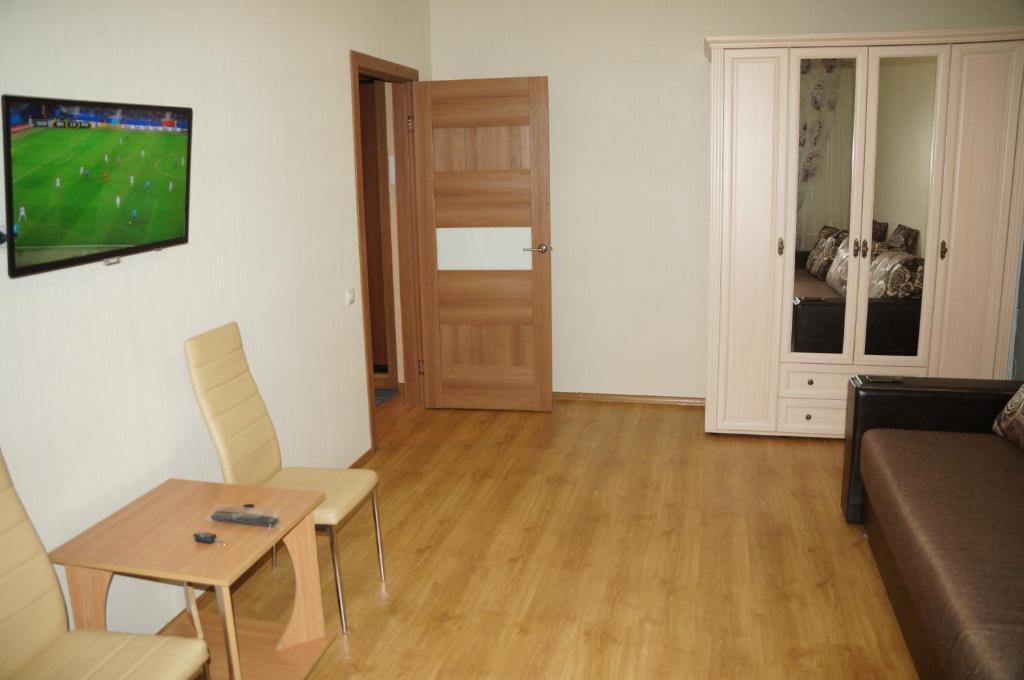 Телевизор и/или развлекательный центр в 1 комнатная квартира в Когалыме