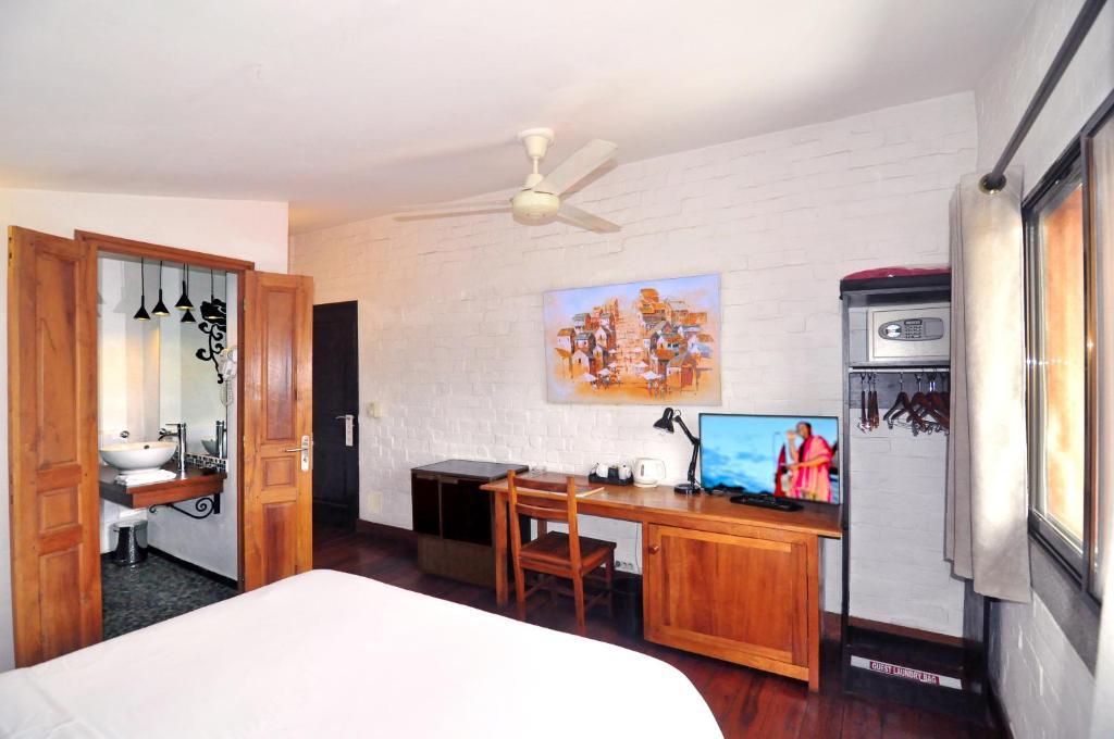 Cuisine ou kitchenette dans l'établissement Rova Hotel