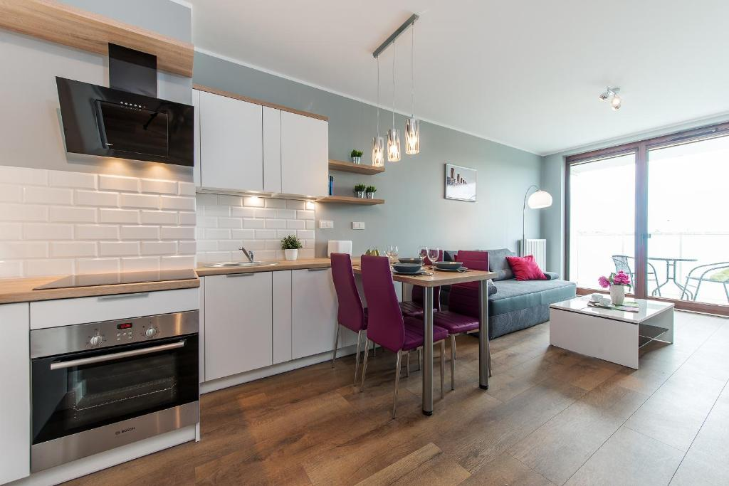 Kuchnia lub aneks kuchenny w obiekcie P&O Apartments Ordona 2