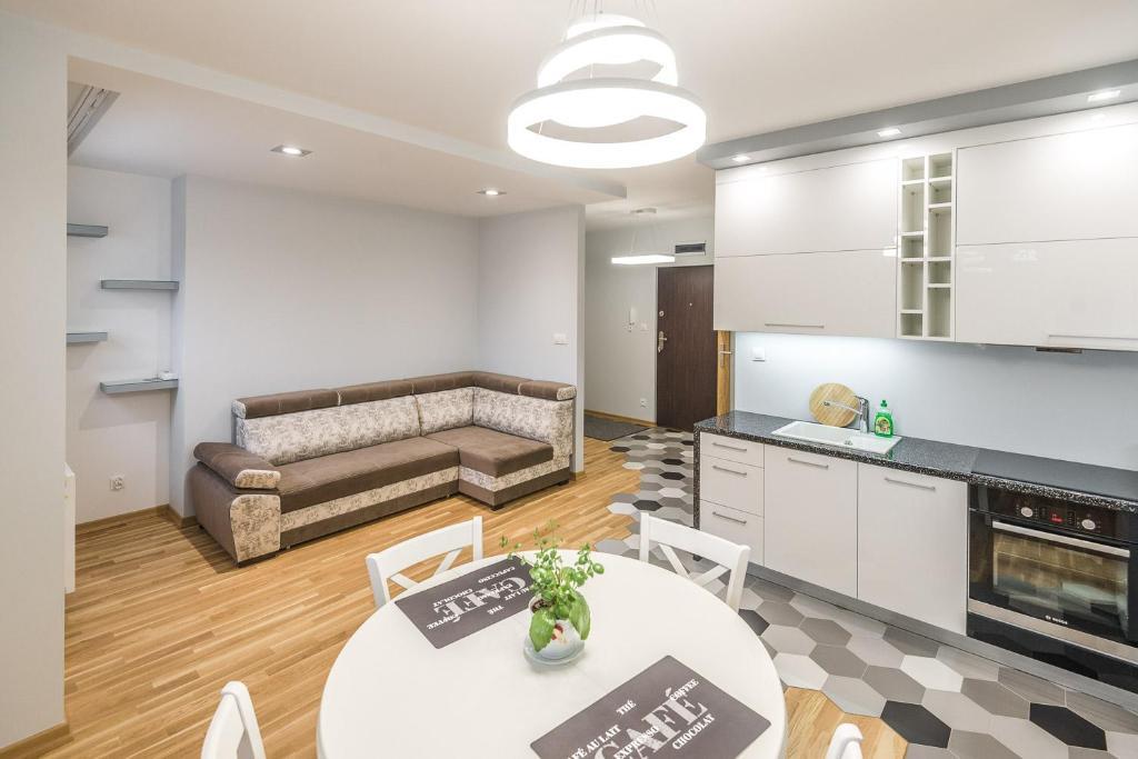 Kuchnia lub aneks kuchenny w obiekcie Apartament 48m w centrum Grójca