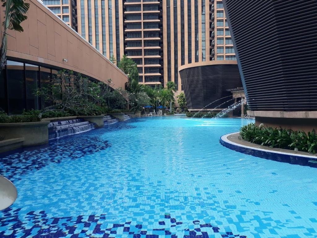 The swimming pool at or close to Bintang Apartment Times Square At KL