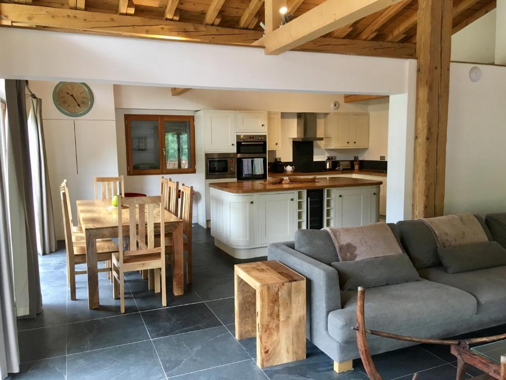 Kuchyň nebo kuchyňský kout v ubytování Chalet Marmotte 1