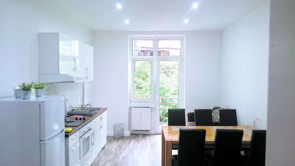 Küche/Küchenzeile in der Unterkunft AVI City Apartments GoodHouse