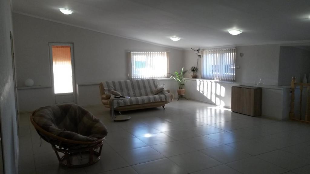 Гостиная зона в Гостевой Дом на Ларкина 18