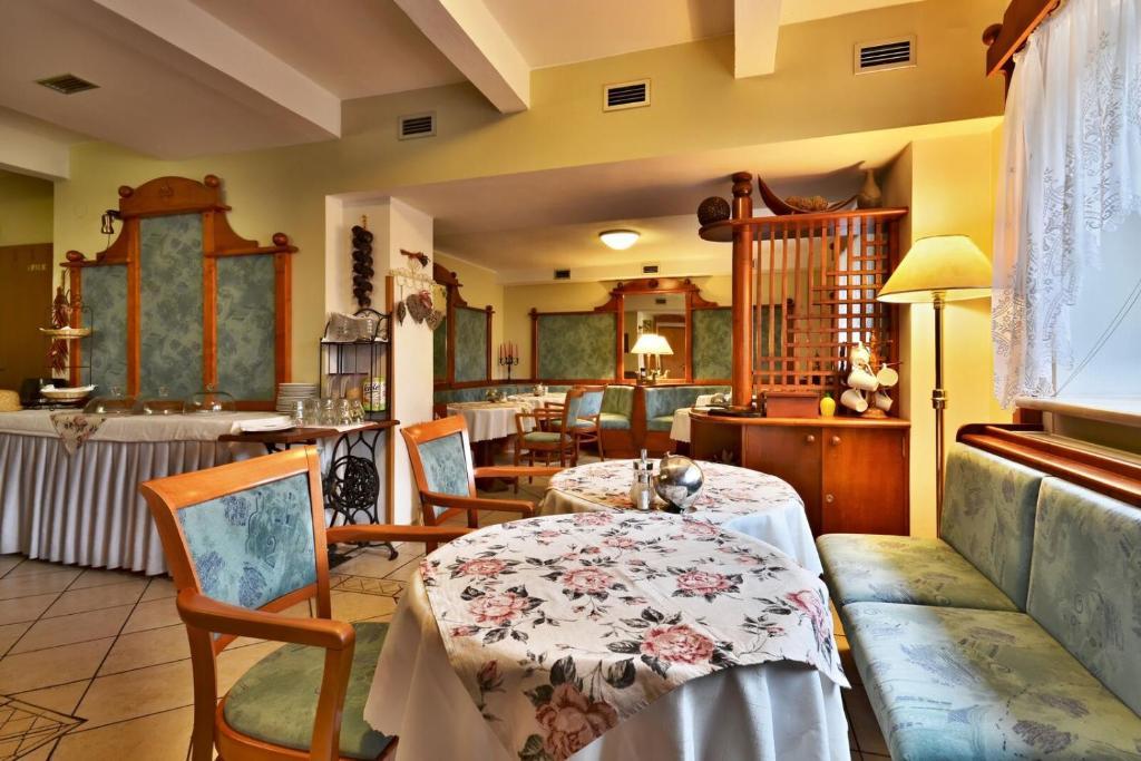 Restaurace v ubytování Hotel Villa Conti