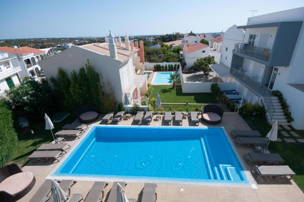 A view of the pool at Guest House Boliqueime or nearby