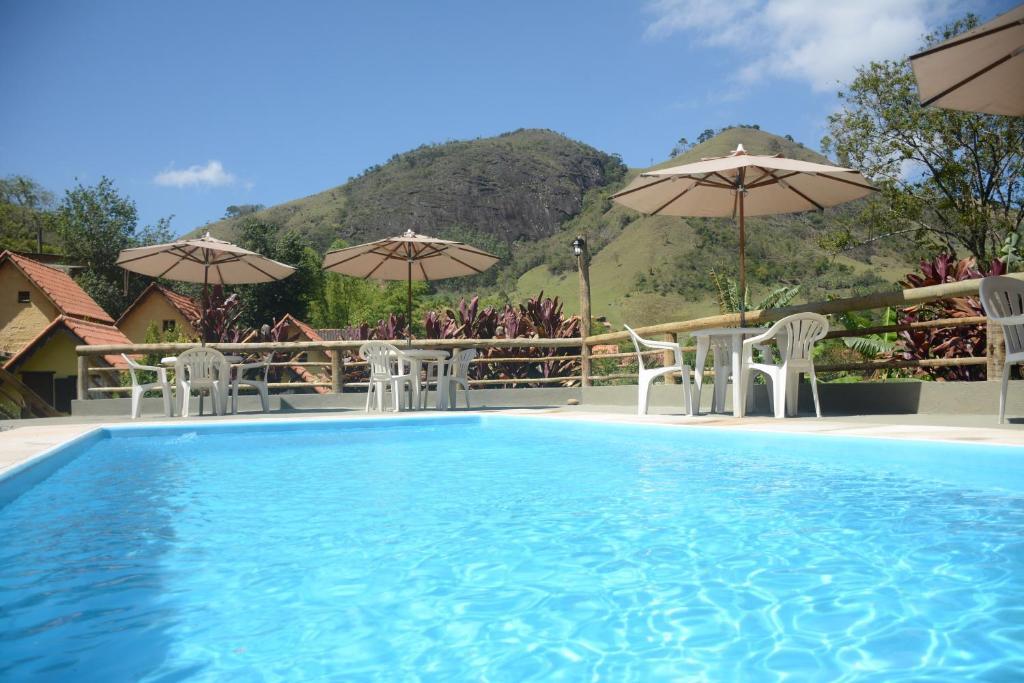 A piscina localizada em Pousada dos Anjos ou nos arredores