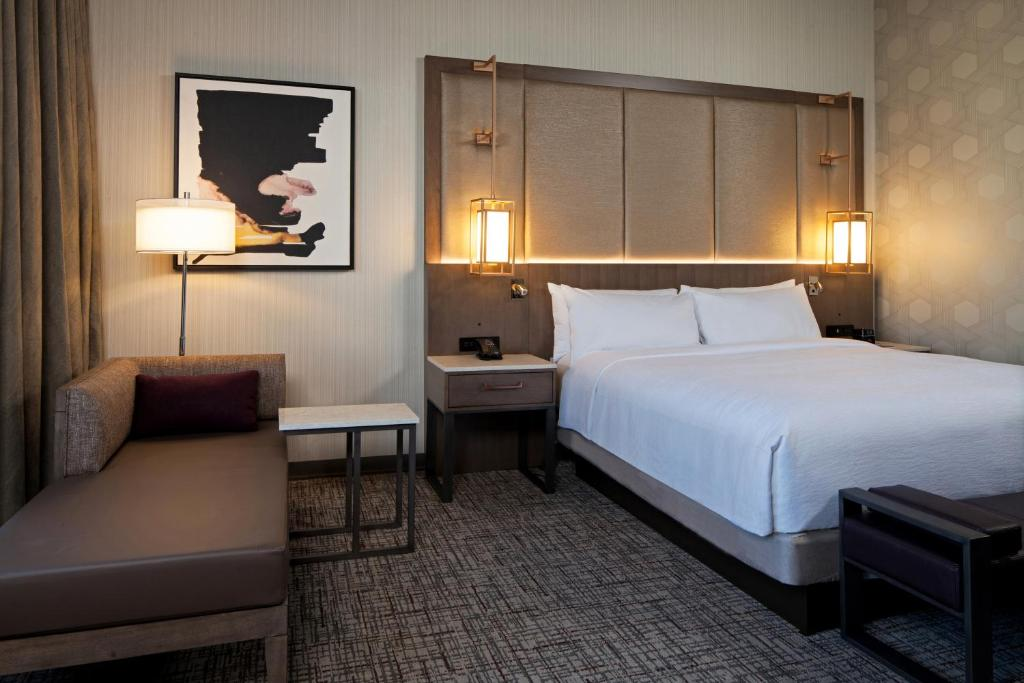 A room at the H Hotel Los Angeles.
