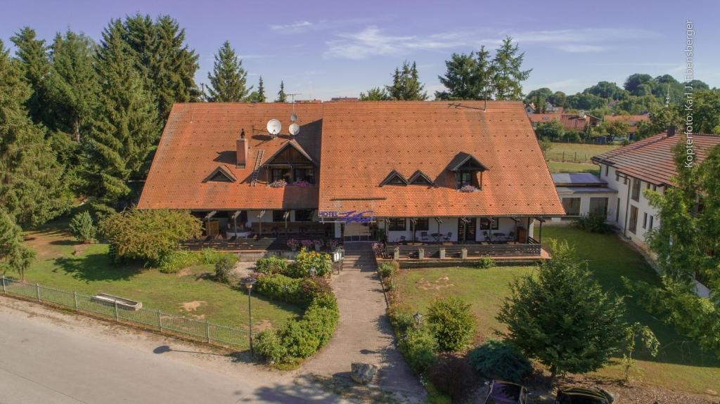 Blick auf Hotel Zum Forst aus der Vogelperspektive
