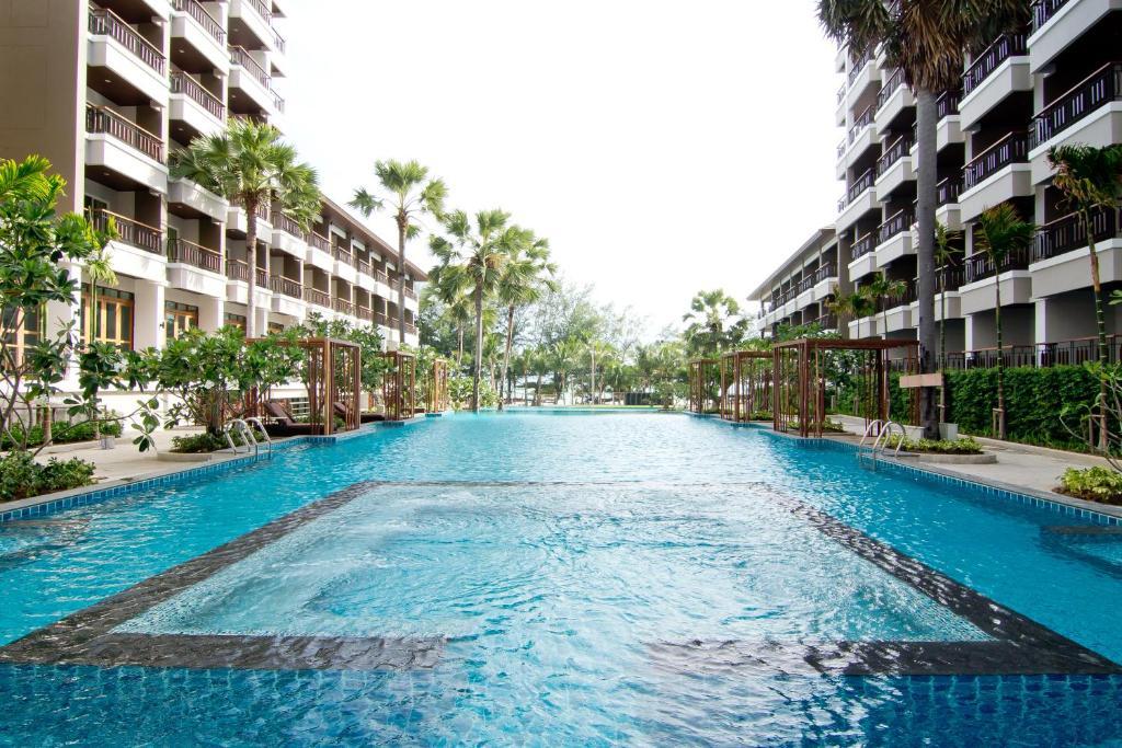 Бассейн в Welcome World Beach Resort & Spa или поблизости