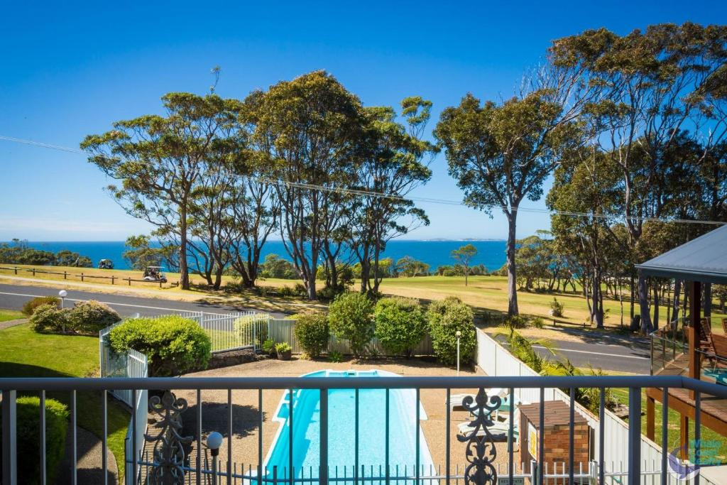 A view of the pool at Ballingalla Apartments - By the Golf Course or nearby