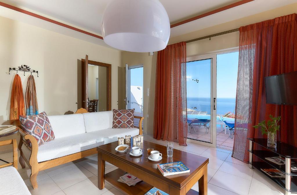 Χώρος καθιστικού στο Nymphes Luxury Apartments