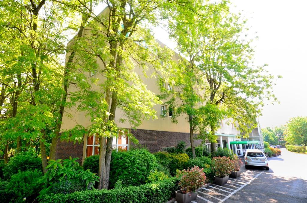 Green hôtels Confort - Roissy Parc des Expositions - Laterooms