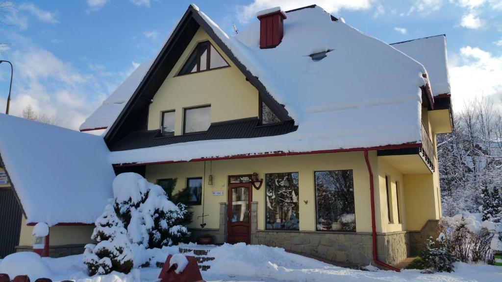Obiekt Apartament w Willi Busola zimą