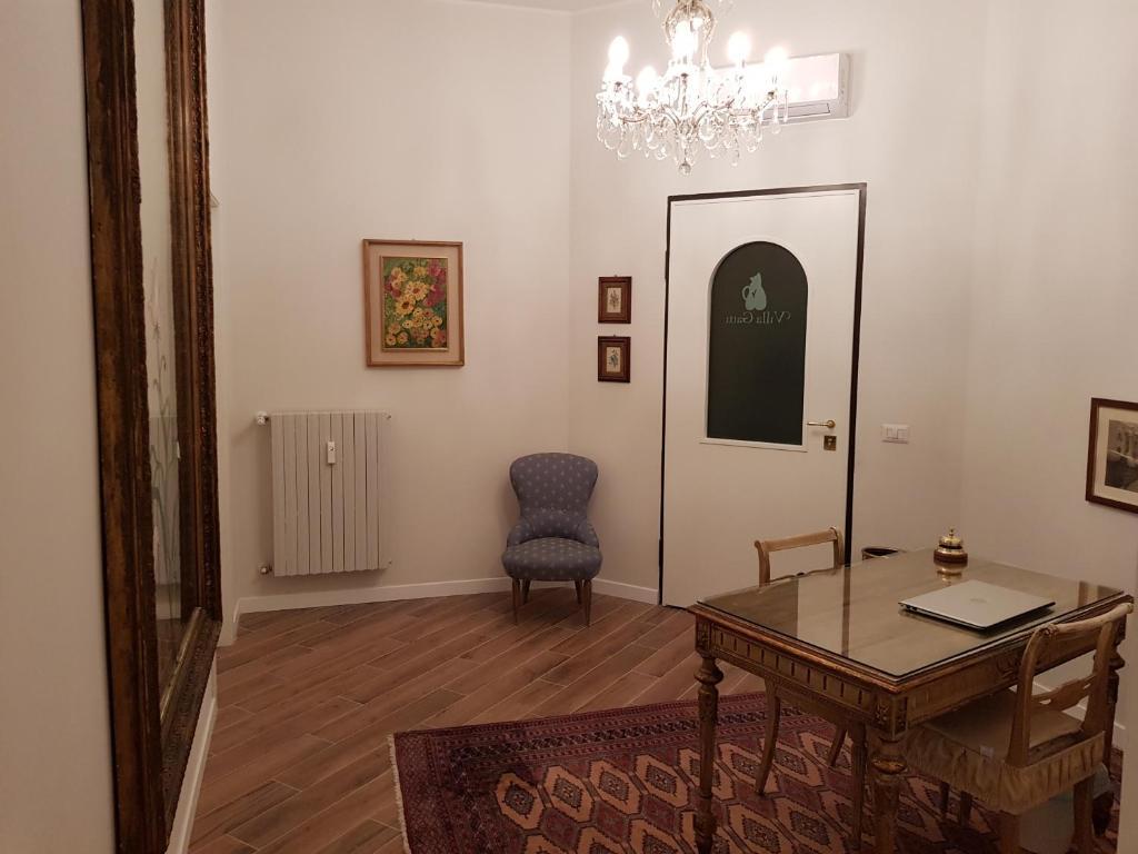 A seating area at Villa Gatti