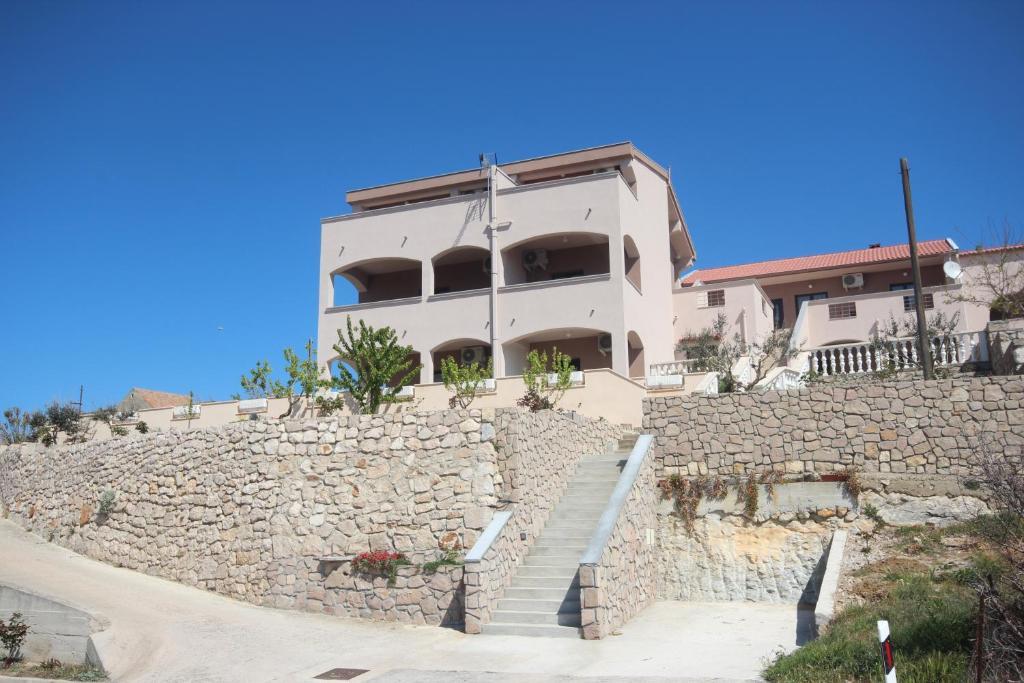 Apartments Njaco