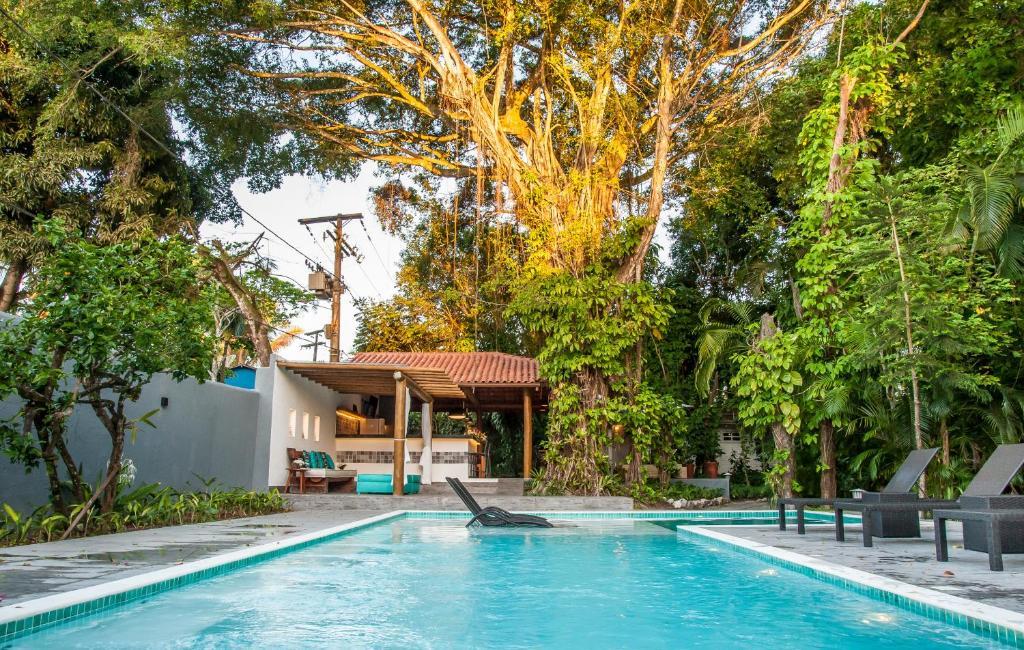 A piscina localizada em Pousada e Chalés Aquarius ou nos arredores