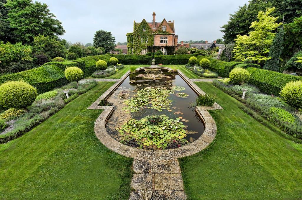 A garden outside Horwood House Hotel