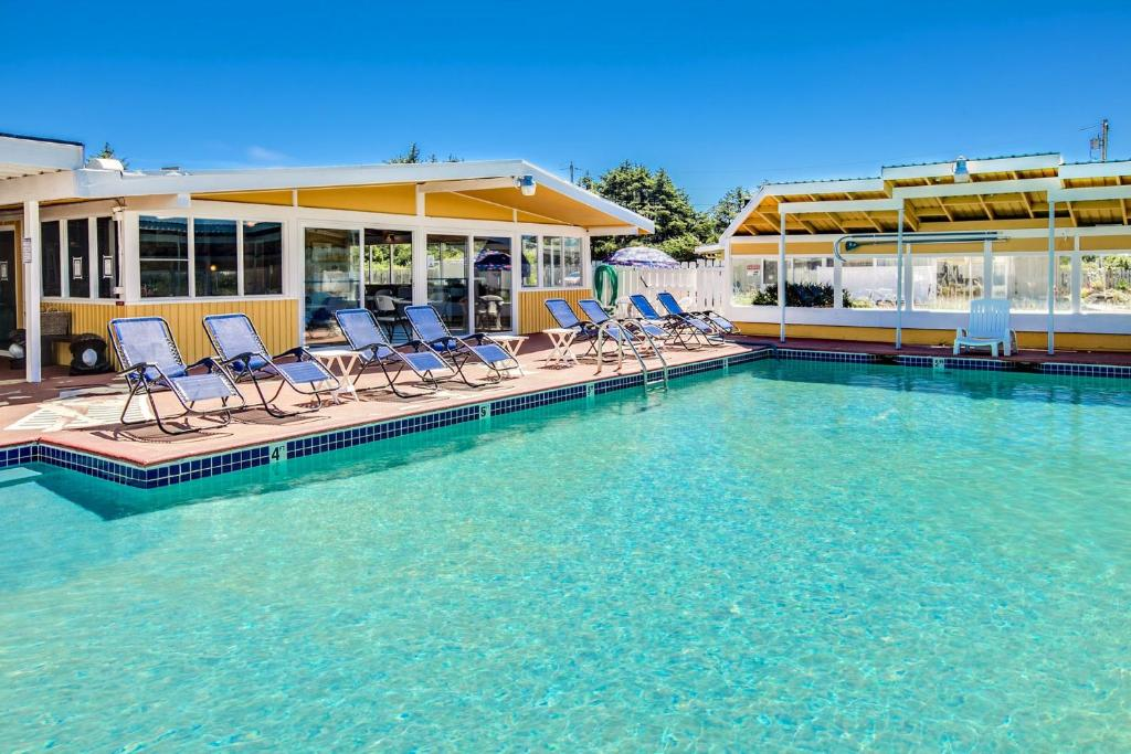 The swimming pool at or near Beachwood Condos & Resort