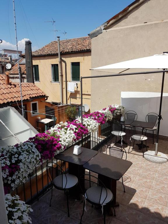 Al Portico Guest House - Laterooms