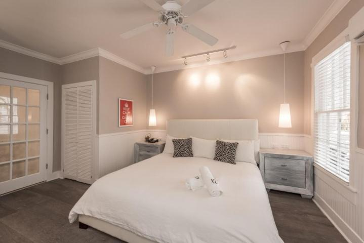 A bed or beds in a room at Alexander's Gay Lesbian Guesthouse (Adult Only 21+)
