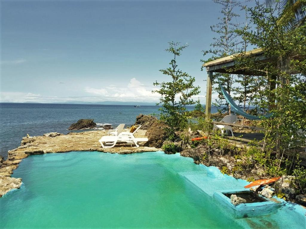 The swimming pool at or near Piedra Piedra Lodge Nuqui