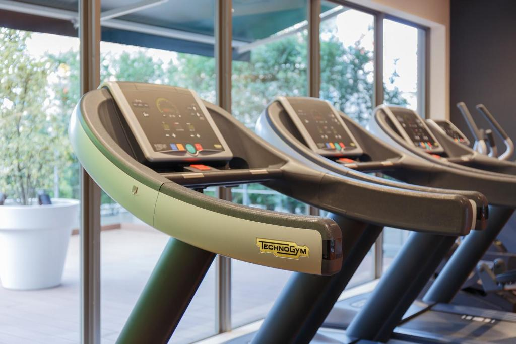 The fitness center and/or fitness facilities at Mitsui Garden Hotel Kashiwa-No-Ha